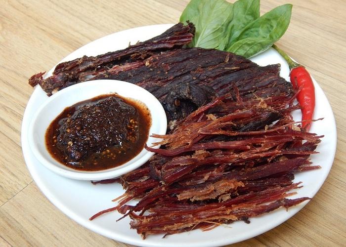 Hé lộ điều ít ai biết về Ăn thịt trâu gác bếp có béo không? Có tốt không?