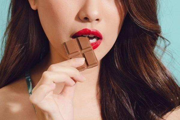 Giải đáp thắc mắc ăn socola có béo không? Bạn nên cẩn thận điều gì?